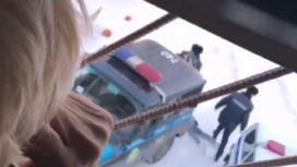 Девушка устроила истерику в Павлодаре