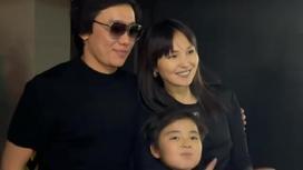 Кайрат Нуртас с женой и сыном