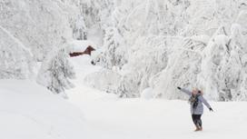 снежный пейзаж и девушка