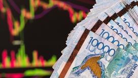 Трейдер инвестирует тенге на фондовой бирже