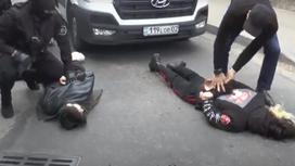 силовики проводят задержание