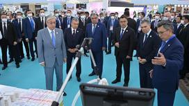 Касым-Жомарт Токаев и президенты стран Центральной Азии на выставке