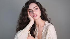 Израильская модель Яэль Шелбиа