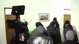 Оппозиция ворвалась в здание столичного района Кентрон