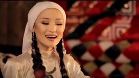 Молдир Ауелбекова исполняет «Балапаным»