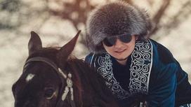 Торегали верхом на коне