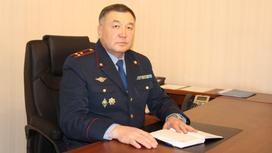Шалкар Кунанбаев на рабочем месте