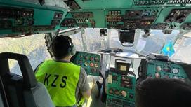 Казахстанский спасатель за штурвалом вертолета