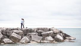 Пара около моря
