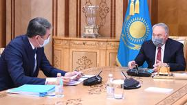 Елбасы Нурсултан Назарбаев и Секретарь Совета Безопасности