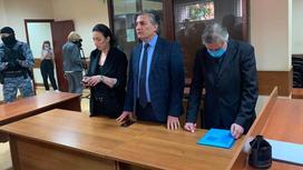 Сторона защиты и Михаил Ефремов слушают приговор суда
