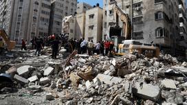 Дом разрушился в Газе
