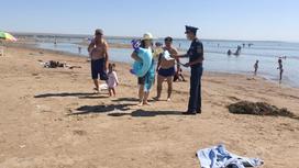 Спасатели обходят побережье Капшагая