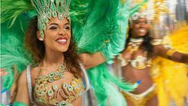 Бразильские танцовщицы во время шоу
