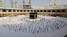 Мусульмане совершают хадж в Мекке