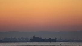 Корабль в Суэцком канале