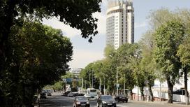Улица Достык в Алматы