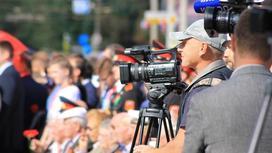 Репортеры снимают сюжет