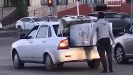 Мужчина на дороге в Актобе
