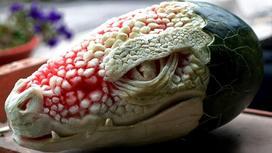 Одна из скульптур итальянца Валериано Фатика, созданная из еды