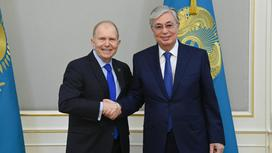 Уильям Мозер и Касым-Жомарт Токаев
