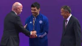 Вручение награды за честную игру на ЧМ-2021 по футзалу