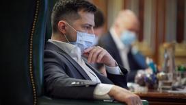 Владимир Зеленский в маске
