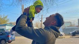 Тауекел Мусилим с сыном