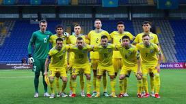 Игроки сборной Казахстана позируют для снимка