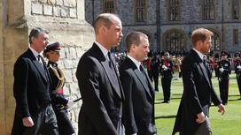 Принц Уильям, Питер Филипс и принц Гарри на похоронах герцога