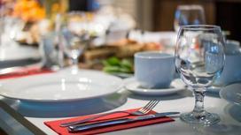 Посуда на столе в ресторане