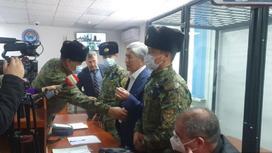 Алмазбек Атамбаев в суде.