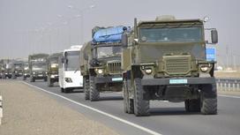 Военная техника едет по дороге в Мангистауской области