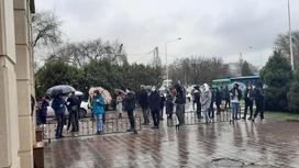 Алматы мектеп түлектері