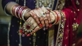 Индианка в традиционной одежде