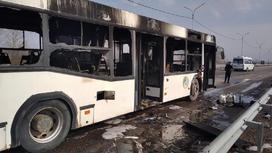 Автобус загорелся под Павлодаром