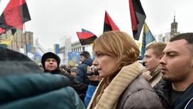 Сандра Рулофс на митинге в поддержку мужа в 2017