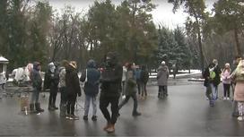Люди на съемках фильма в Алматы