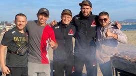 Казахстанский боксер Геннадий Головкин и российский боец ММАПетр Ян
