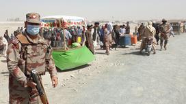 Афганский солдат с оружием