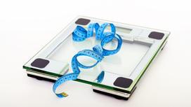 Весы, сантиметровая лента