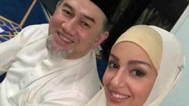 Оксана Воеводина и экс-король Малайзии Мухаммад V