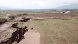 Гигантская трещина раскалывает Африку надвое (видео)