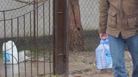 Дертіне шипа іздеген жұрт ОҚО-дағы шипалы суға ағылып жатыр ( фото)