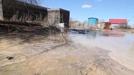 Жители Уральска вторые сутки остаются без воды из-за аварии