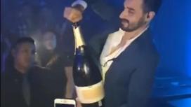 Тусовщик-неудачник разбил бутылку шампанского за $42000