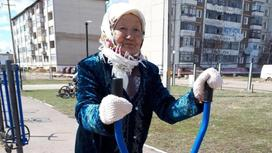 Күнде көшеде жаттығу жасайтын 80 жастағы кейуана желіде жұлдыз болды (видео)