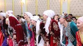 Еркектер ет асады: Астаналық жігіт Ақтаудағы түсініксіз салттарды тізіп берді