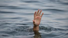 рука из-под воды