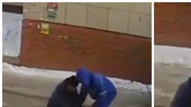 Павлодар тұрғынын көшеде сабаған жедел жәрдем қызметкерлері елдің ашуына тиді (видео)